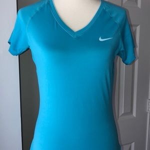 Nike pro Women's Dry-Fit Fitted Sports Active T M